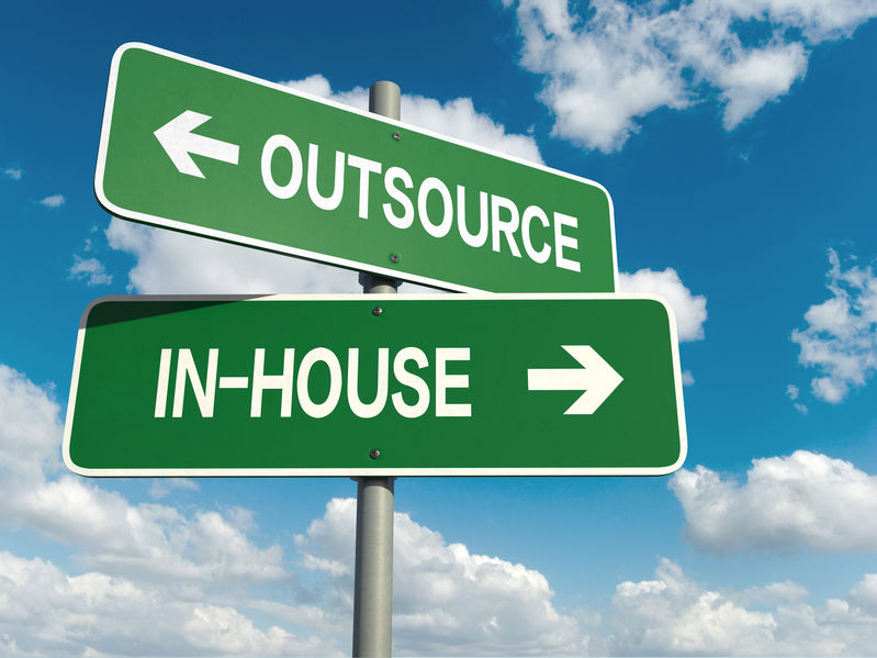 outsourcen metaalbewerkingen of zelf doen